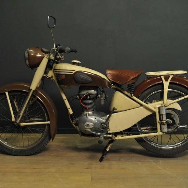 moto motob cane motoconfort 175 z2c 1953 mes d couvertes. Black Bedroom Furniture Sets. Home Design Ideas