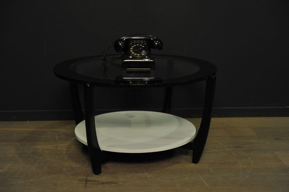 Table basse gplan ronde noire et blanche mes d couvertes - Table noir et blanche ...