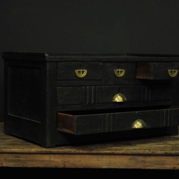 Meuble de diamantaire en bois noir mes d couvertes - Meuble en bois noir ...