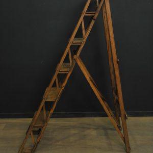 escabeau ancien en bois et ferrures (24)