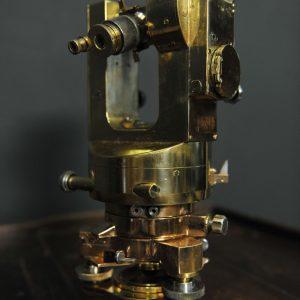 theodolite ancien en laiton dans sa boite (7)