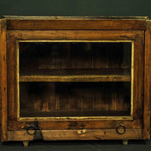 Petite vitrine cube en bois