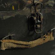 Meuble militaire à trois caissons