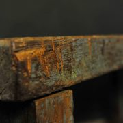 Table en teck massif patiné bleu