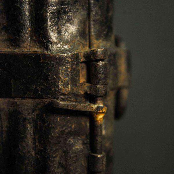 Ancien moule à pain de glace en métal d'époque