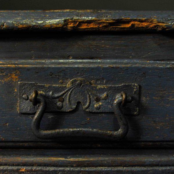Bout de canapé à deux tiroirs