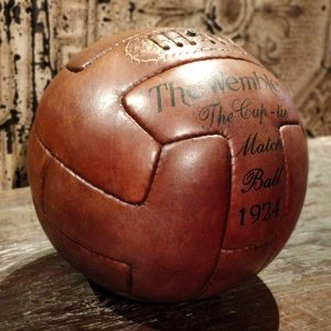 reproduction-de-ballon-de-football-en-cuir-2