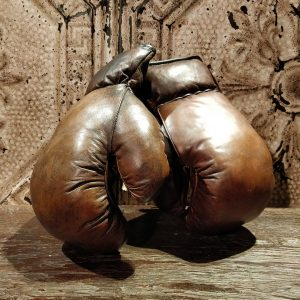 reproduction-de-gants-de-boxe-en-cuir-1
