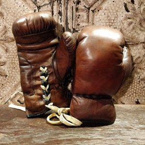reproduction-de-gants-de-boxe-en-cuir-2
