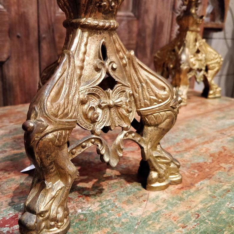 Candelabres d'église en métal et laiton du XXème siècle