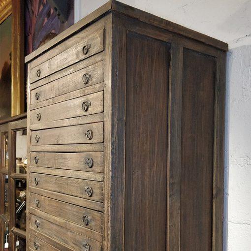 Meuble haut à 24 tiroirs en bois et métal