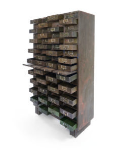 Meuble d'atelier en métal à 72 tiroirs - Meuble de rangement - Julien Cohen