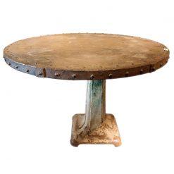 Table ronde en fonte sur pied