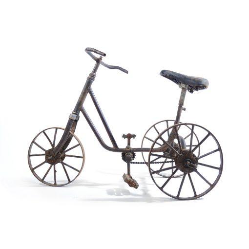Ancien tricycle en métal - Julien Cohen