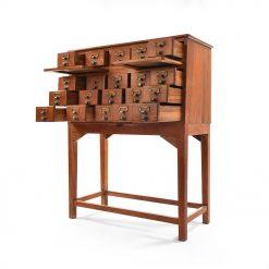 Meuble d'apothicaire à 20 tiroirs - Julien Cohen Mes Découvertes