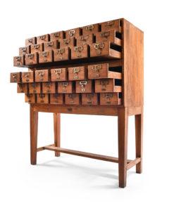 Meuble d'apothicaire à 36 tiroirs - Julien Cohen Affaire Conclue