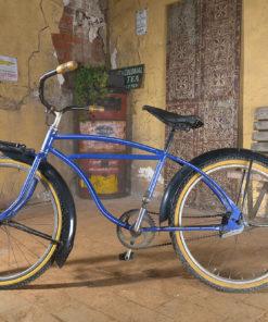 Vélo bleu vintage - Julien Cohen Affaire Conclue