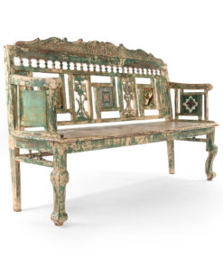 Banc en bois sculpté à la patine verte avec 3 carreaux en céramique - Julien Cohen Affaire Conclue
