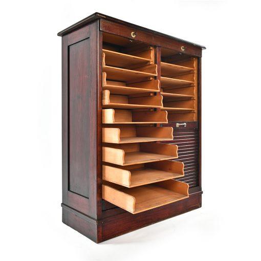 Cabinet en bois à double rideaux déroulants Circa 1910 - Affaire Conclue