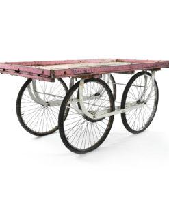 Charrette en bois patiné rose