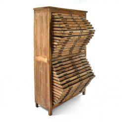Grand meuble d'imprimeur en bois à 32 tiroirs - Julien Cohen Affaire conclue