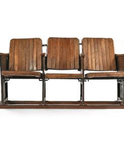 Fauteuils de cinéma en bois clair - Julien Cohen