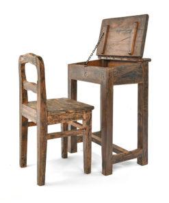 Pupitre d'enfant avec sa chaise en bois