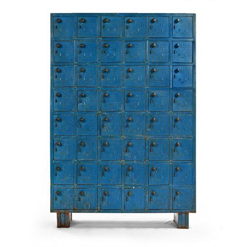 Meuble d'atelier bleu en métal à 48 casiers - Julien Cohen Mes Découvertes