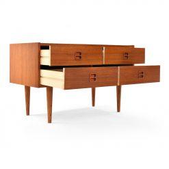 Petite console scandinave en bois à 4 tiroirs Circa 1970 - Julien Cohen Affaire Conclue